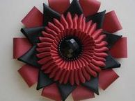 Crafts : rosettes / brooches / fabric flowers