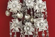 Bunad : Silver brooches / Jewelry for the bunads