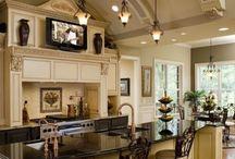 Beautiful kitchen! / Bucătarii !
