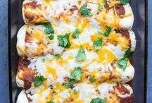 Vegetarian Main Dish Recipes / I'm pinning all my favorite vegetarian main dish recipes that are hearty, healthy, and easy to prepare. There are lots of quick and simple clean eating breakfast, lunch, and dinner recipes that everyone will love.