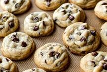 Cookie Recipes / I'm pinning my favorite cookie recipes! These are the best easy cookies made from scratch. From chocolate chip to peanut butter to oatmeal to Monster, there's a cookie for everyone. You'll find plenty of cookies for Christmas or the holidays or for anytime!