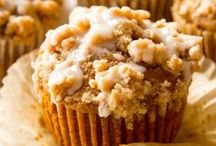 Muffin Recipes / I'm pinning my favorite muffin recipes! You'll find plenty of easy and healthy muffins for breakfast or anytime. There's blueberry, banana, pumpkin, and cinnamon with oatmeal. Find the best muffin recipes here!