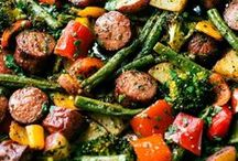 Sheet Pan Dinners / I'm pinning my favorite sheet pan dinners and meals! You'll find plenty of healthy and easy recipes for breakfast, lunch, and dinner. There are chicken, steak, sausage, fish, salmon, seafood, and vegetarian dinners. There are great flavors like Greek and Mediterranean and recipes like fajitas.