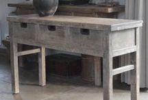 landelijke tafels / Tafels met een landelijke- soms industriële uitstraling in allerlei maten en uitvoeringen