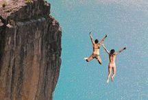 Coasteering / El Coasteering es un nuevo deporte que combina el senderismo costero con saltos al mar desde acantilados, la escalada, el buceo, la exploración de cuevas terrestres y acuáticas, las travesias sobre puentes de cuerdas, el rapel ... Y SE PUEDE PRACTICAR DURANTE TODO EL AÑO :-)
