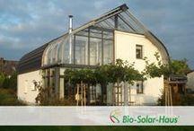 Stahlbogenhäuser / Niedrigenergiehäuser nach dem Haus-im-Haus-Prinzip
