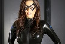 Fetish Pics I like / I like aesthetic and elegant Pics of People who are wearing Latex, Leather, Catsuits, Boots, Masks etc.