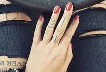 Hands tattoos / Des petits tatouages à faire sur les doigts ou les mains