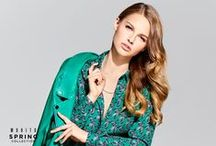 Lookbook Spring 2016 / Flirty and innocent yet feisty and fully conscious of her strengths – Mohito Woman confidently heads towards incoming Spring! For new season Mohito offers energetic lookbook which oozes with saturated springtime colors and vivid prints.