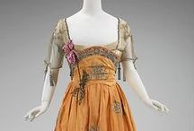 1910s Fashion / Women's fashions of the first decade of the 20th century. Downtown Abby fans eat your hearts out.
