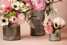 Wedding Flowers - inspiration  / by Irene and Ozzie