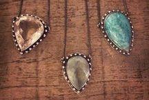 Colares / Necklaces / Colares em prata e ouro (dourado, branco ou rosé).