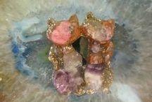 Kameny a perly
