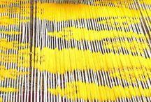 YELLOW MOON / color-addict | Inspiration of colourful Artist Anne van den Heuvel | / Stralend geel. Vraag iemand een zon te tekenen en hij/zij trekt een cirkel. Vraag om de zon een kleur te geven, dan kiest men geel. Zo simpel is het. De zon is rond en geel. Er hoeven geen eens stralen bij. Het geel is van zichzelf al stralend genoeg. Het is de schitterende kleur van het allerhoogste :-)