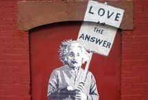 Graffiti art / Artwork created by street artists.