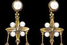Antique Jewelry / Joyería antigua