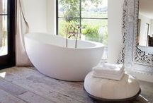 B a t h r o o m  Luxe / beautiful bathrooms, basins,showers and bathroom storage