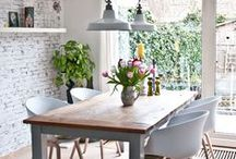 D e l i g h t f u l D i n i n g / Lovely dining room decor , tips and table settings
