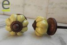 Pomelli piccolini.... / Pomelli piccoli.... meno di 3 cm di diametro! Pomellini molto più piccoli del normale, molto indicati per cassettiere piccole o, se vi piacciono, da usare come porta collane