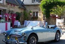 Ballet de voitures et voitures balais - Wedding cars / La voiture des mariés - ou de leurs invités facétieux - et une des animations de la réception. Un florilège de ces véhicules pour tous les goûts !