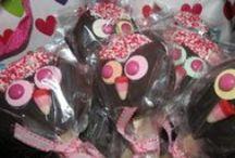 MoonPie Loves You, Valentine! / Heartfelt MoonPie ideas for your favorite Valentines.