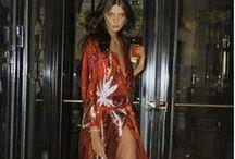 Wrap Dress / Há 40 anos, o vestido icônico de Diane Von Furstenberg tem o poder de transformar qualquer mulher em uma deusa. #DonnaLoves