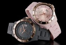 POP Watches / Fashionable & stylish the absolute inspiration for your 24X7 outfits! Decorated with cz stones on the bezel for a sparkling effect.