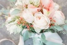 PEACH AND MINT WEDDING / Ideas for a peach and mint wedding / coral and mint wedding ideas