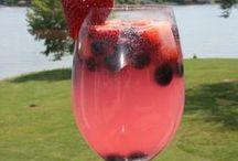 Drinks! / by Karen Gabriela