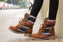 Botas / Botas lindas para toda mulher arrasar! Clique nas imagens e garanta as suas! / by Lojas Renner
