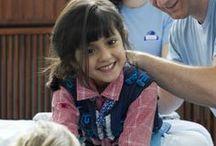 ADELI Medical Center - Riabilitazione per bambini oltre i 2 anni di età / Un trattamento nella neuroriabilitazione infantile intensiva dura dalle due alle quattro settimane. La terapia per i piccoli pazienti ha luogo sei giorni la settimana e dura ogni volta dalle quattro alle cinque ore. Il team di terapisti viene diretto da un neurologo che osserva i pazienti, corregge le posizioni scorrette e fornisce la massima qualità di trattamento. La terapia individuale supporta lo sviluppo del bambino con l'obiettivo di consentire una vita il più possibile normale e autonoma.