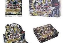"""HA06 Hidden Arsenal 6: Omega Xyz original KONAMI YuGiOh Trading Cards / Im Juli 2012 ging """"Hidden Arsenal"""" mit """"Omega Xyz"""" in die sechste Runde. Die Karte """"Vylon Omega"""" ziert den Booster. Erstmals gibt es in einer """"Hidden Arsenal"""" Serie Xyz-Monster. HA06 enthält 60 Karten. Gefragte Karten aus """"Hidden Arsenal 6: Omega Xyz"""" sind z.B. """"Vylon Omega"""", """"Evigishki-Meergeist"""" oder """"Daigusto Phönix""""."""