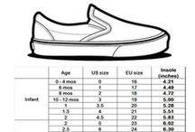 靴 / Kids, Mens and Womens shoes.