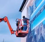 Trompe L'oeil in the Making / A glimpse inside world-renowned trompe l'oeil muralist John Pugh's artistic process. How he creates large 3D optical illusion paintings on the sides of buildings, from start to finish.