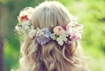 Festival: Flower Crowns / Beautiful flowers to wear in my hair this summer