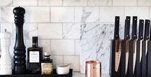 NYTT KJØKKEN 2017 / .. Drømmen om et nytt kjøkken/spisestue. Bilder til inspirasjon. Metaller som kobber og gull, sort og hvitt, lyst treverk, fine fliser og åpne hyller. Og et flott sted å samles til middag <3