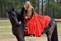 Bareback & Bridleless / Photos and videos of bareback and bridleless riding. It is such a wonderful way to communicate with the horse and improve balance.