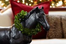 Equine Holiday {Decor & Horses} / The holidays are upon us and I wanted to find some inspiration for an equestrian decorating theme. I love the horse wreaths and the beautiful horses in the snow.