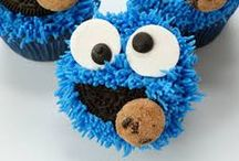 Cookie Monster Party / Cookie monster birthday party craft and food ideas