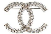 ★SOCIALITE ★ THE  CHANEL BROOCH ★