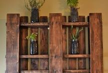 Pallet Projects / Cool ideas on how to re-purpose wood pallets.