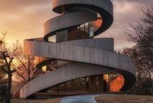 Arquitectura y +