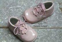 Botas unisex / #calzadoinfantil #modainfantil #kidshoes #botas #botines #fashionkids #kidsfashion #niños #niñas #kids #inglesitos #love