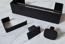 Geometrici   accessories / appendiabiti in acciaio inox verniciato bianco o nero.