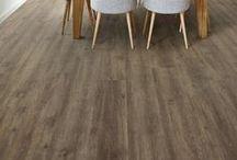 Inspiratie voor vloeren   floors / De vloer is het 'hart' van uw kamer. Van sfeervol tapijt of karpet tot trendy vloervinyl, pvc of laminaat. Natuurlijk is er volop keuze in kleur en structuur. Bij Decokay Gröbe in Almelo zijn onder andere Bonaparte, Desso, Parade, Parador, Quick Step, CoreTec en Decokay Design verkrijgbaar.