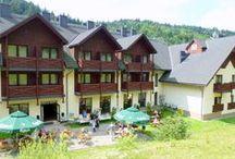 Wakacje w górach / Wakacje z dzieckiem to czas wspaniałej przygody! Wakacje w górach z rodziną są okazją do wypoczynku. Wspólnie, rodzinnie spędzony czas na beskidzkich szlakach, w trzygwiazdkowym hotelu Wierchomla SKI & SPA Resort lub w jego okolicy wypełniony zostanie nie lada atrakcjami. Jeśli nie wiesz gdzie pojechać na wakacje z dzieckiem, odpowiedź jest prosta - Dwie Doiny Muszyna - Wierchomla!
