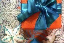 #GiftGuide2013 #HolidayStyle / Para ir de compras en estilo. Te presentamos nuestras ideas buenas para la Navidad.