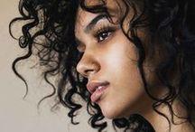 Göndör (Curly) / Göndör frizurák