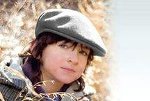 Chapeaux Enfant / Parcourez le vaste choix de chapeaux et casquettes enfant que nous vous proposons, tant pour l'hiver que l'été, la vie quotidienne ainsi que pour des déguisements ou autres occasions de la vie de nos petits.