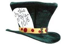 Chapeaux Fantaisie et Déguisements / Chapeaux Fantaisie disponibles chez Village Hats. Ces chapeaux fantaisie sont parfaits pour faire la fête et se déguiser.